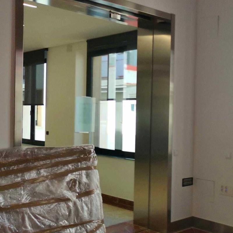 Premarco de puerta de acero inoxidable