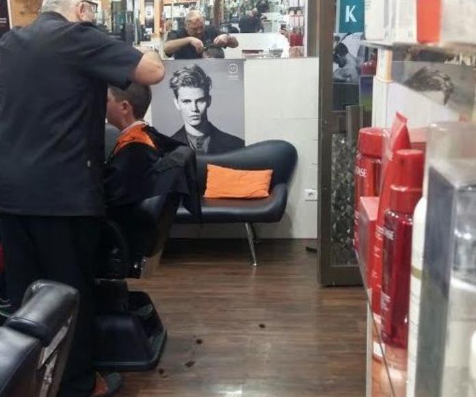Corte de pelo hombre: Servicios de Peluquería Alfredo González