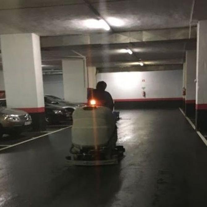 La importancia de la limpieza periódica de parking comunitarios