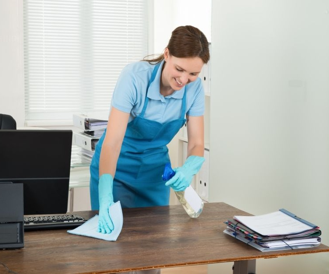 Cómo limpiar una oficina de manera eficaz