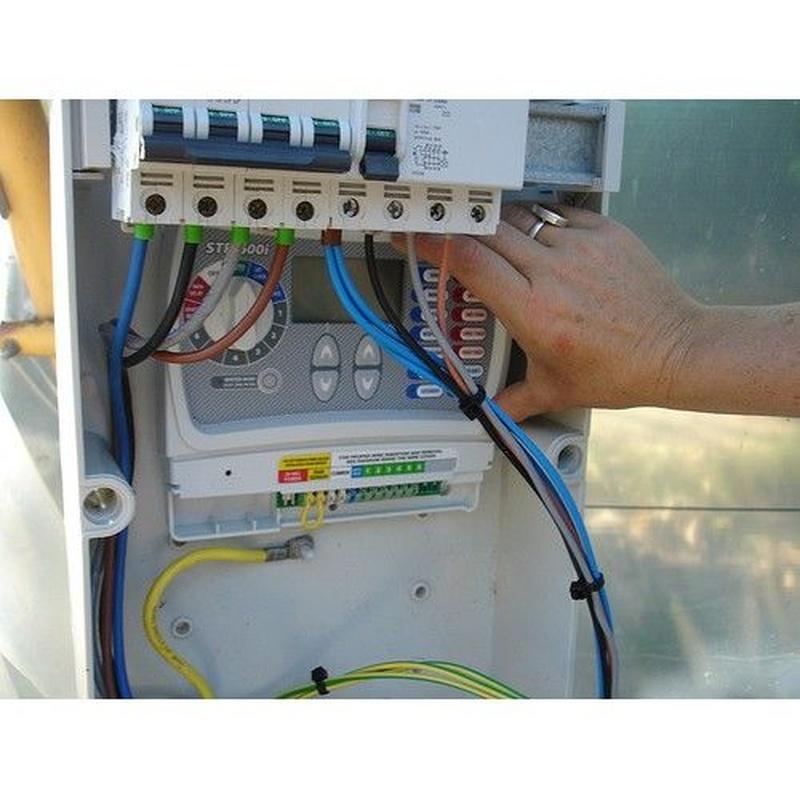 Firma de boletines: Servicios de Electricidad Armando