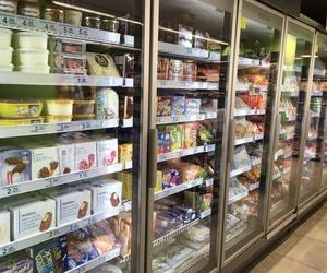Supermercado de Atocha con todo tipo de productos congelados