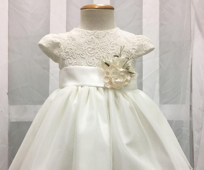 Vestidos y conjuntos de Bautizos: Vestidos y Trajes de Joan Lo