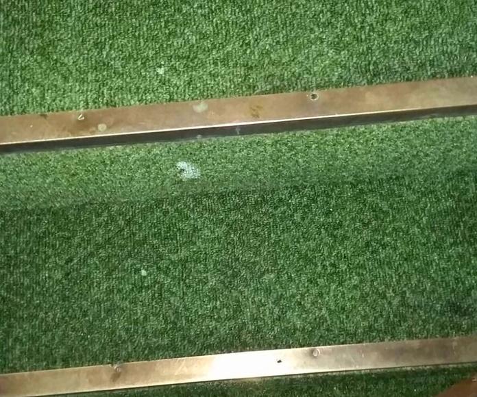 Después de la limpieza de moqueta en escalera de caracol