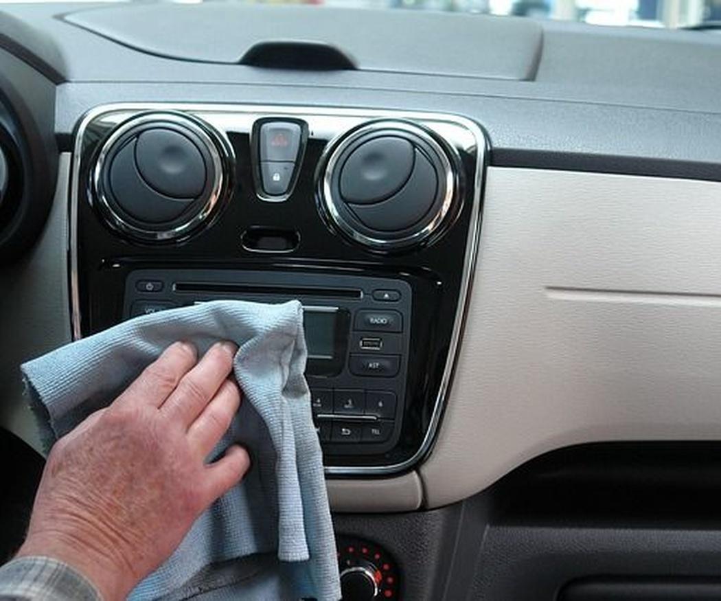 Cómo limpiar la tapicería de tu coche