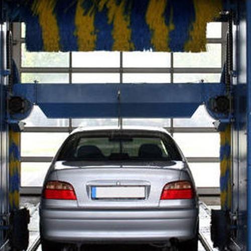 Lavado de vehículos.Tren de lavado