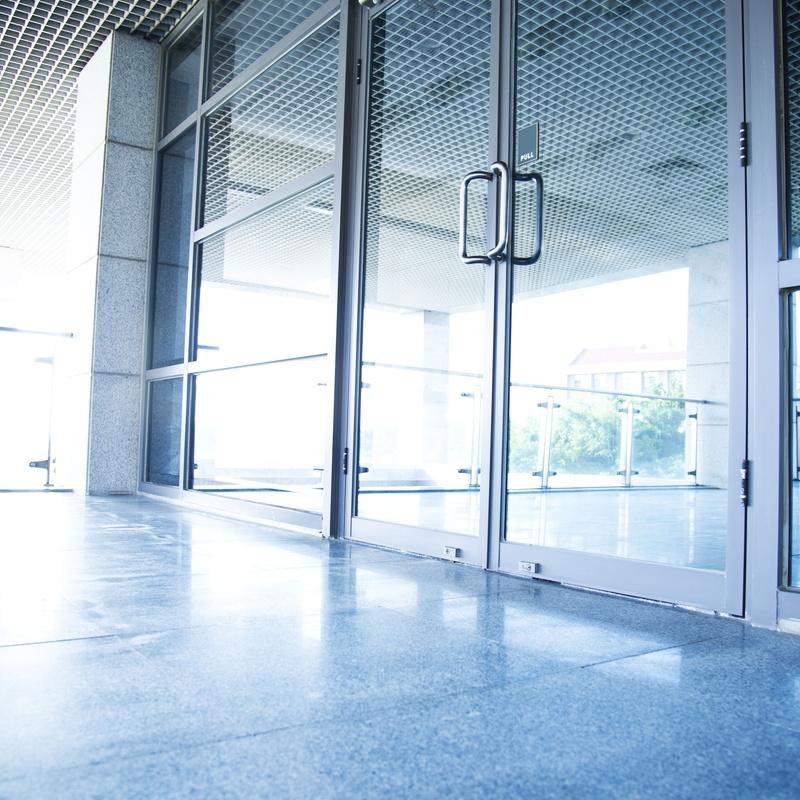 Puertas de aluminio: Servicios  de Persianas Rodríguez-Decoración