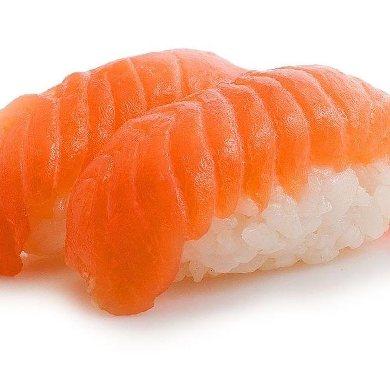 103.NIGIRI DE SALMON 5 Piezas: Carta y menús de Yoshino