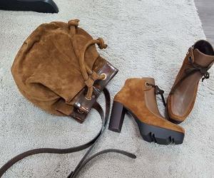 Bolso y botines a juego
