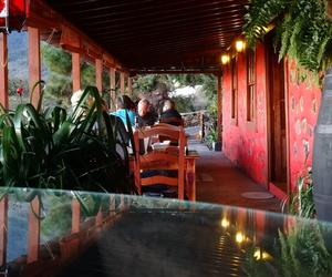 Restaurante de cocina mediterránea especializado en tapas y pinchos