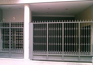 Instalación y mantenimiento de puertas de garaje