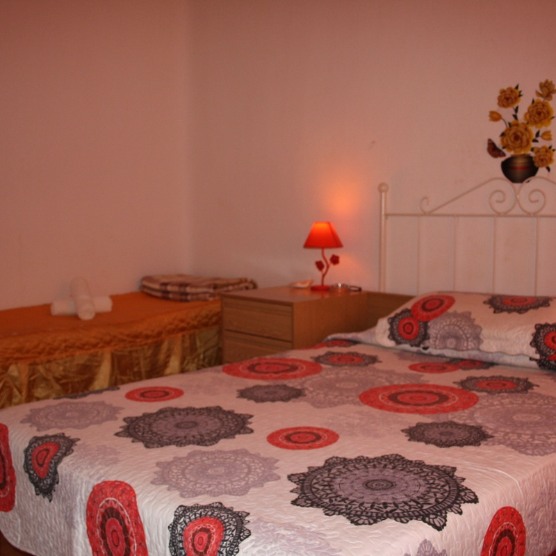 Bedrooms: SERVICES AND GIRLS de Oriental Massage Madrid