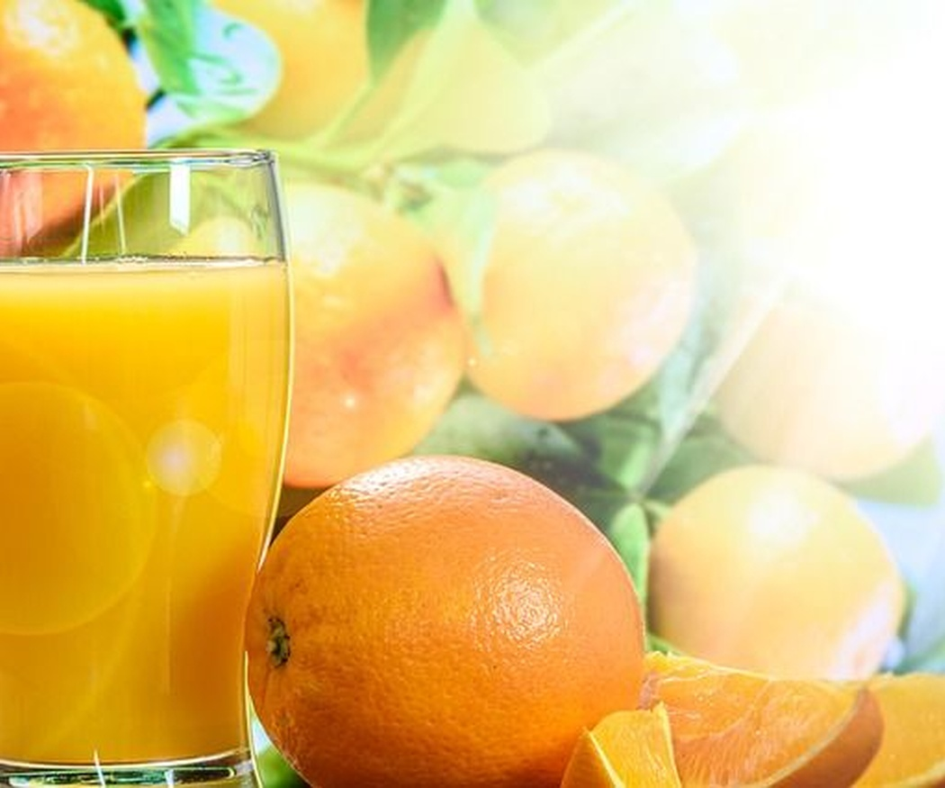 Los beneficios del zumo de naranja natural