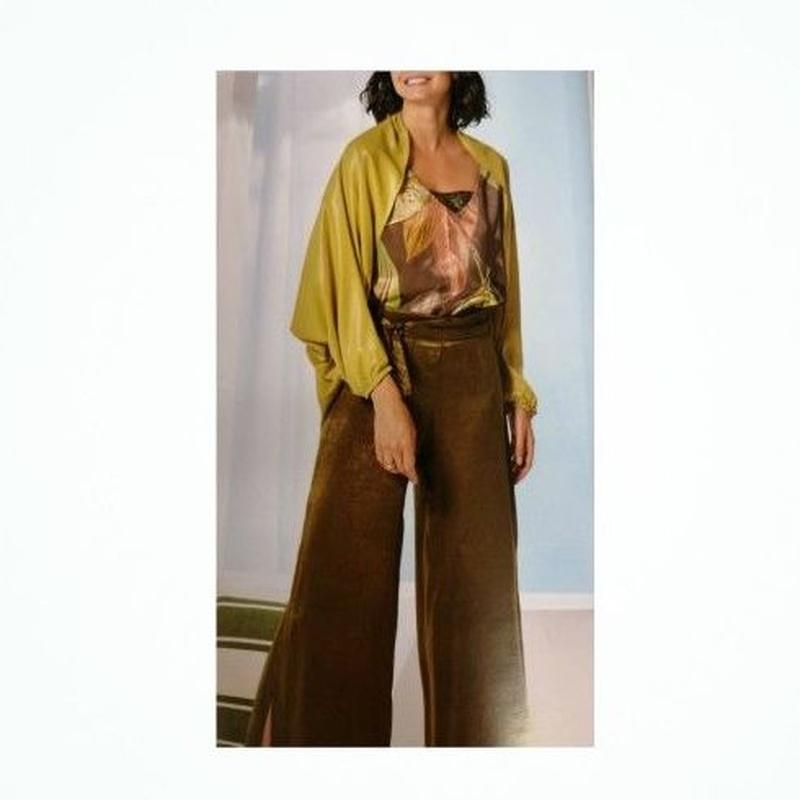 Pantalón de pata ancha: Catálogo de Manuela Lencería