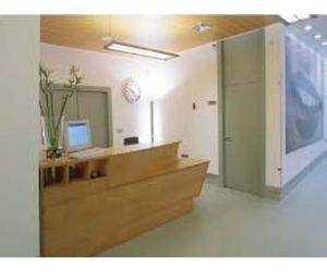 Recepción de la clínica en Gijón