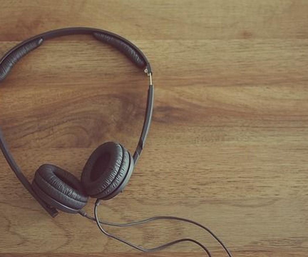 Cómo utilizar auriculares adecuadamente
