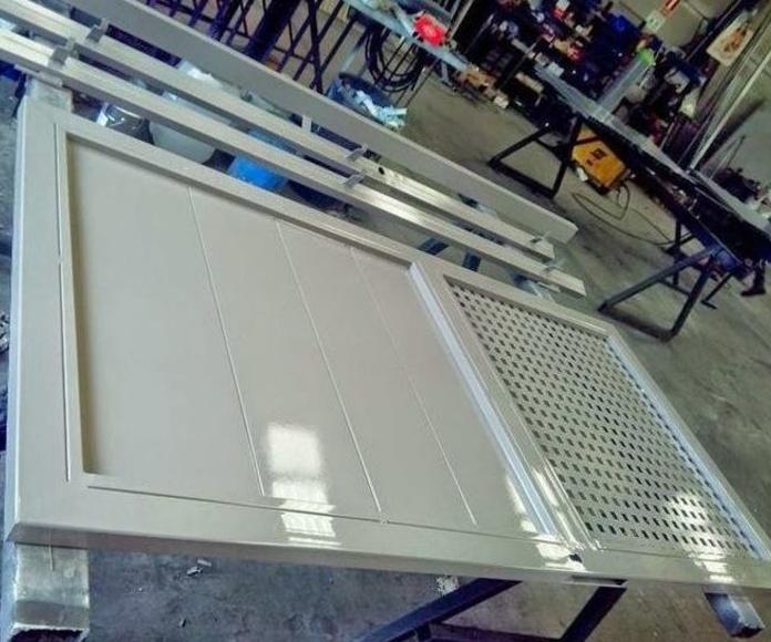 A3 Puerta galvanizada con pintura dos componentes de poliuretano