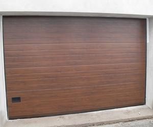 Puertas Seccionales color madera en Tenerife