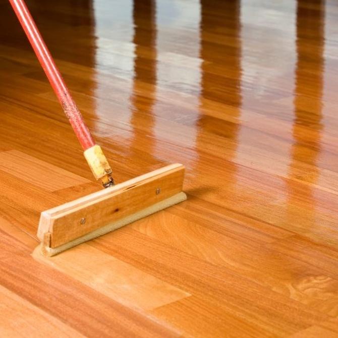 El cuidado diario de los suelos de madera