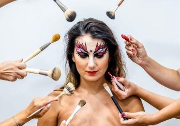 Maquillaje social y de fantasía