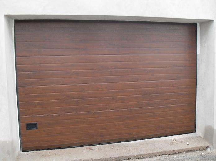 Puertas Seccionales color madera en Tenerife: Servicios de Puertas Automáticas Tomás del Toro