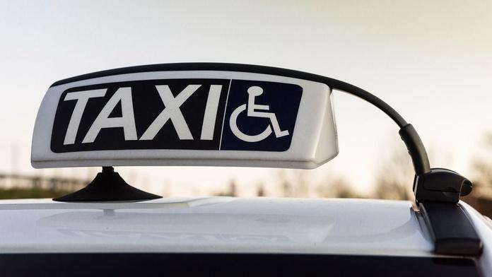 Eurotaxi minusválidos: Servicios de Taxi Aeropuerto Mercedes