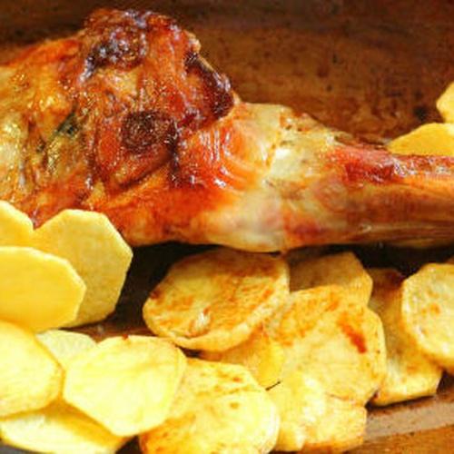 Paletilla de cordero lechal al horno al estilo sepulveda