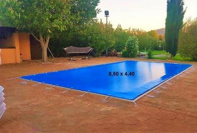 Instalación de lona de invierno para piscina en Mallorca