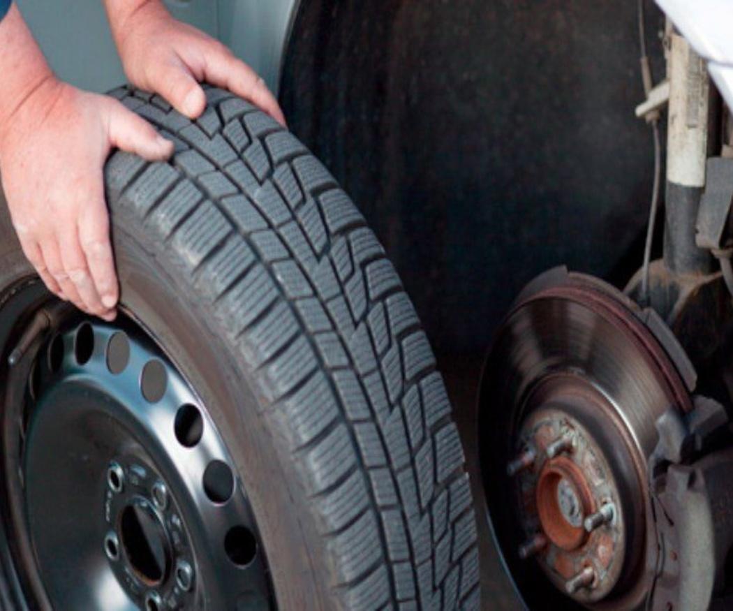 ¿Se pueden poner diferentes neumáticos en el coche?
