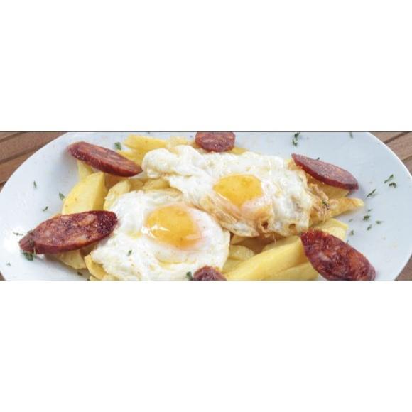 Huevos estrellados Charro: Especialidades y platos  de Restaurante Charrito