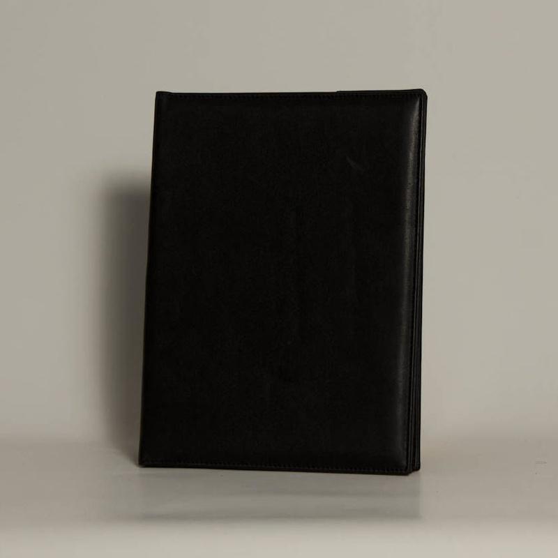 Portafolios PF-01634: Catálogo de M.G. Piel