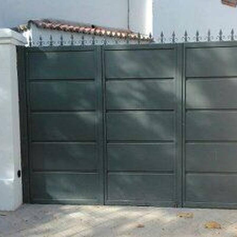 Puertas automaticas: Servicios y Productos de Cerrajería Avelino Izquierdo, S.L.