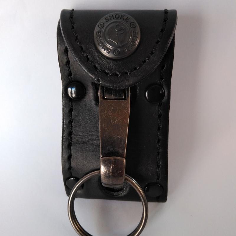 Llavero de cuero con mosquetón metálico: Catálogo de Izulan