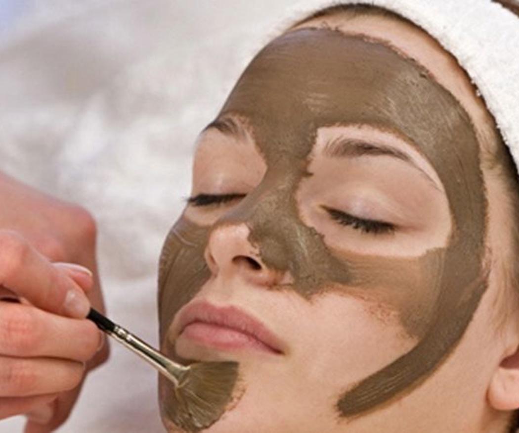 Los beneficios de la limpieza facial