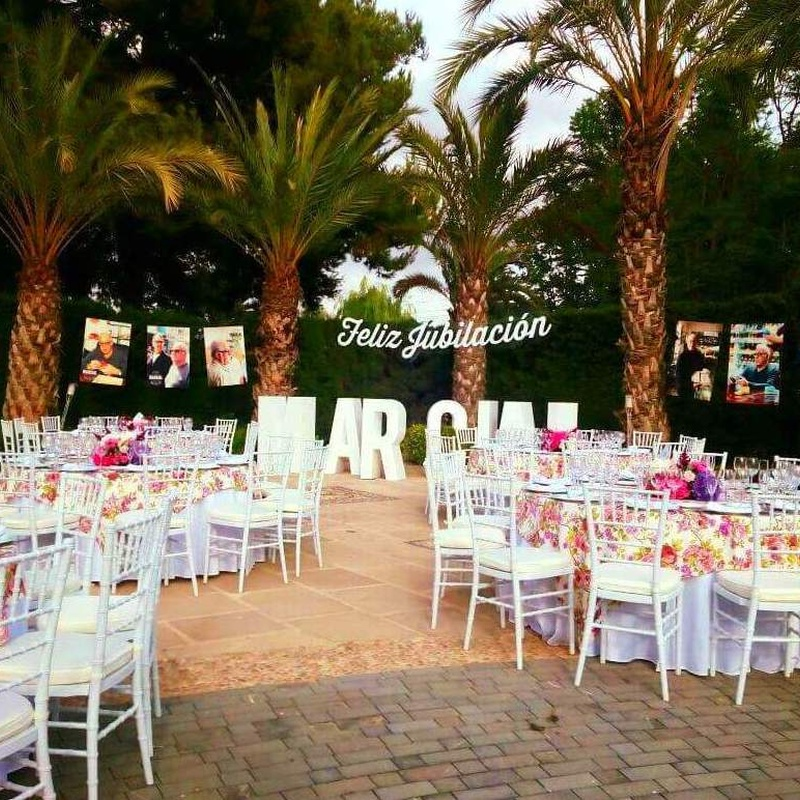 Alquiler y montaje de sillas para eventos en Alicante