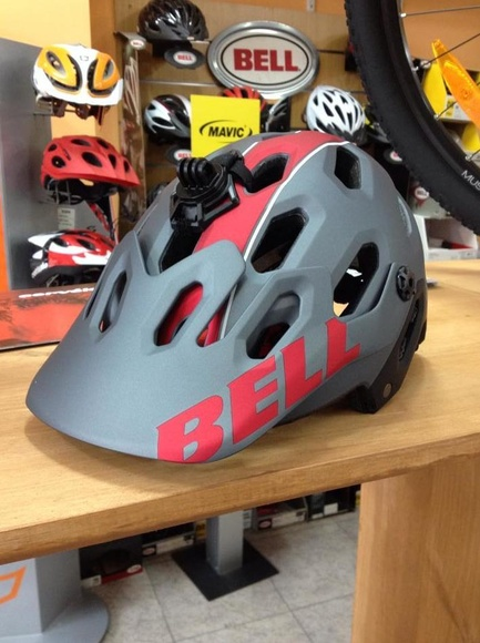 Casco Bell Super2: Productos y Servicios de Bike Sports