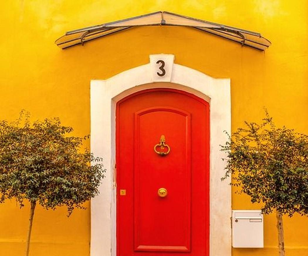 Disfruta de puertas nuevas sin necesidad de cambiarlas