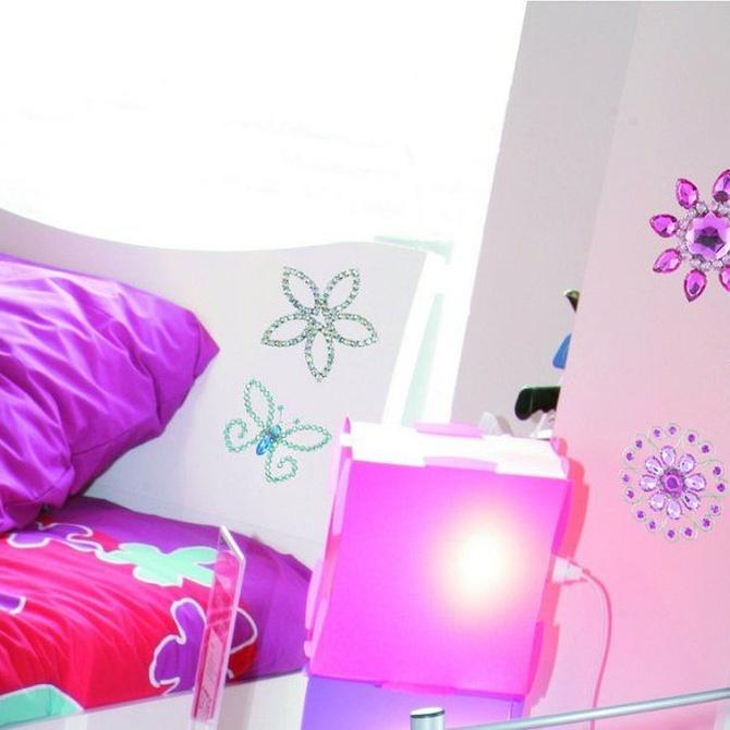 Ideas para decorar con vinilo una habitación infantil