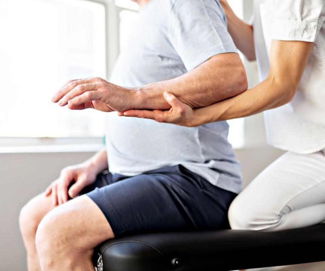 La importancia de la fisioterapia en las personas mayores