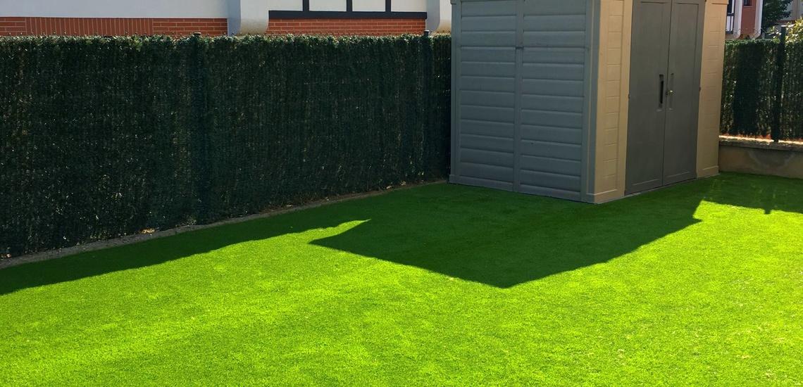 Empresa de jardinería para la instalación de césped artificial en Bizkaia