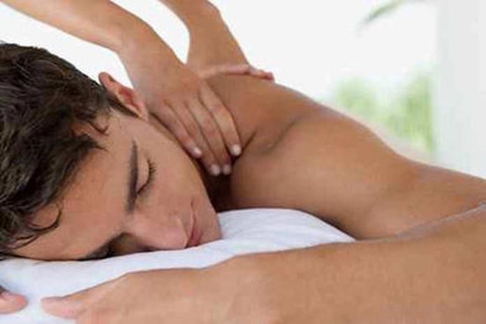 Masaje terapéutico : Servicios de Fisiocentre Salut
