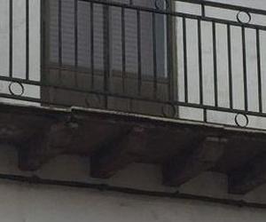 Reconstrucción de balcones, aleros y voladizos.
