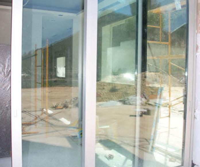 Aluminio. Trabajos y carpintería: Servicios de Cerramientos José Pastor