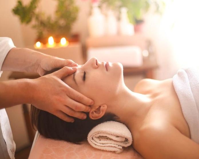 Indian Head Massage (Masaje Hindú de Cabeza): Tratamientos de Ocean Soul Care