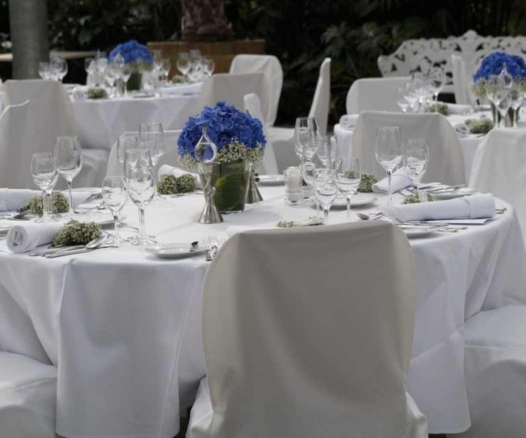Las flores en el banquete de bodas