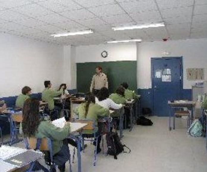 Educación Secundaria: Servicios de Colegio Tres Olivos