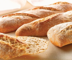 Panes blancos y rústicos