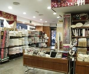 Interior de nuestra tienda de telas en Sevilla