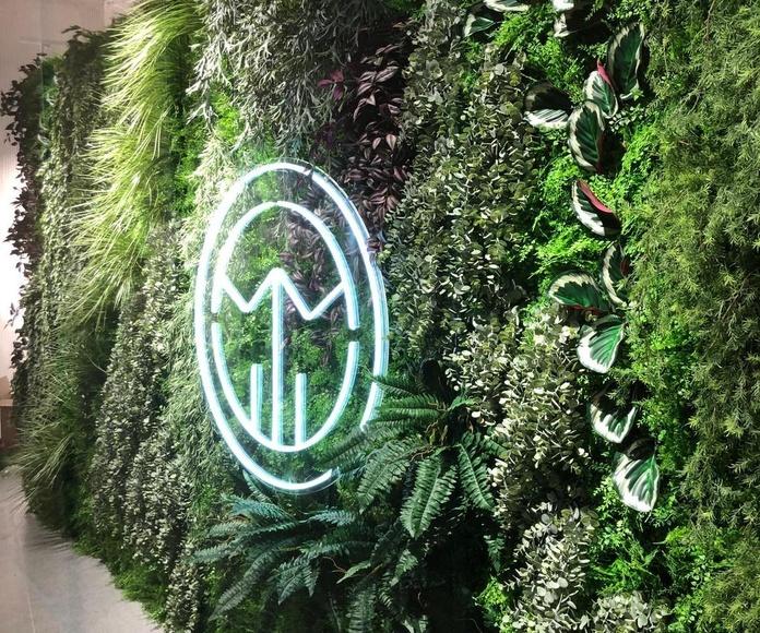 Jardin vertical artificial instalado en el CC nueva condomina murcia tienda polinesia