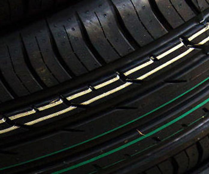 Neumáticos: Nuestro taller de Talleres Baranda Automoción